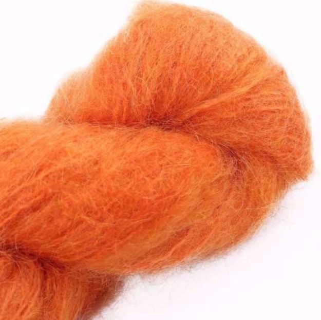 COWGIRLBLUES FLUFFY MOHAIR SOLIDS carrot juice
